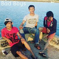 The bad boys-Cinta berakhir luka.mp3